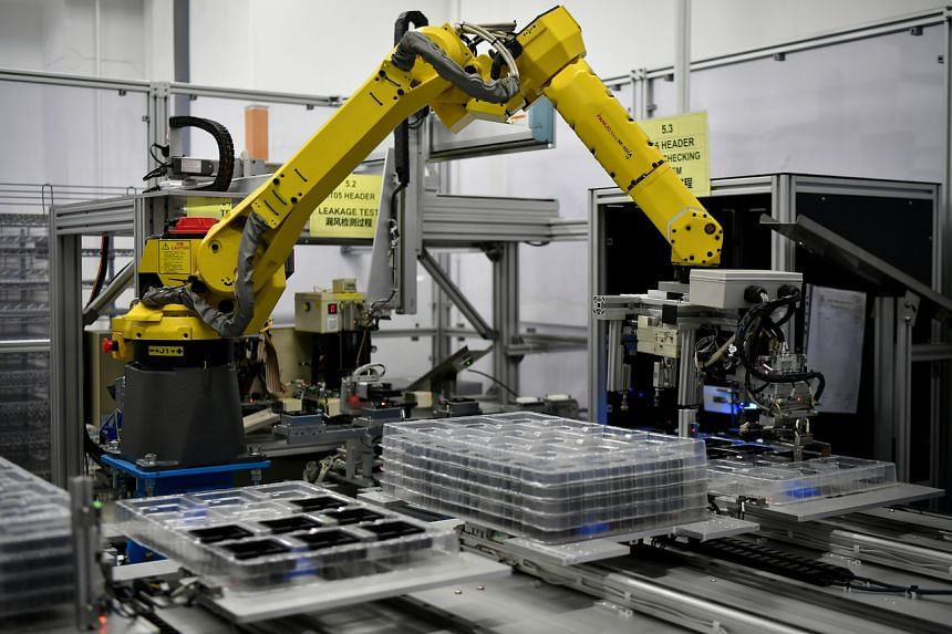 A weighted of 26 per cent of manufacturers see business conditions improving over the next six months.