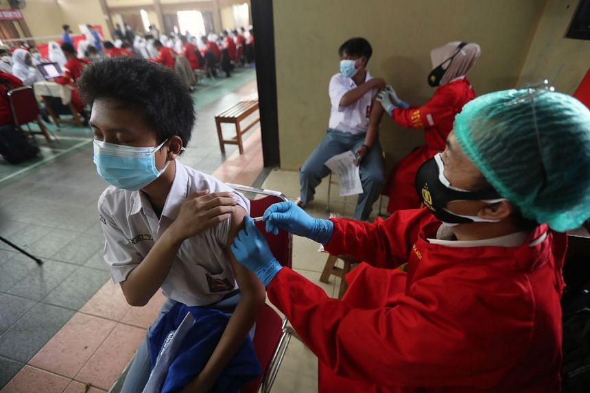 The Indonesian authorities are trying to get young people vaccinated in a bid to reopen schools.
