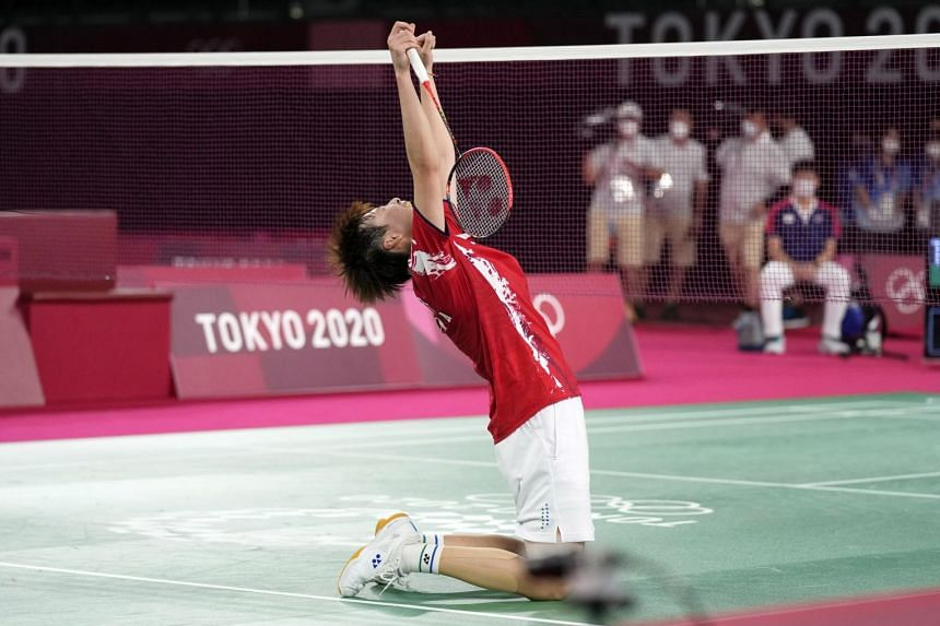 Chen Yufei of China celebrates after winning the women's gold medal match against Tai Tzu-ying of Chinese Taipei at the Musashino Forest Sports Plaza.