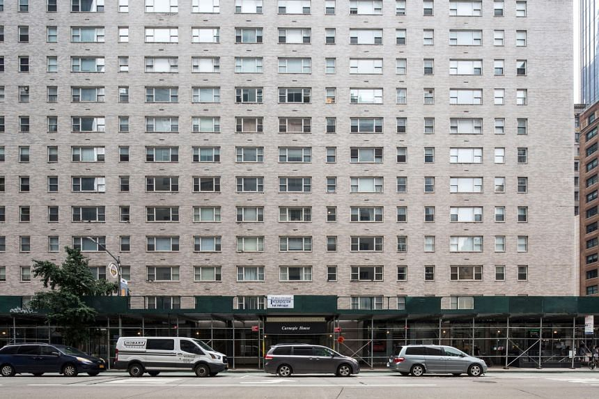 Landlords have struggled to keep units filled since the pandemic shuttered offices and sent New Yorkers scurrying to the suburbs.