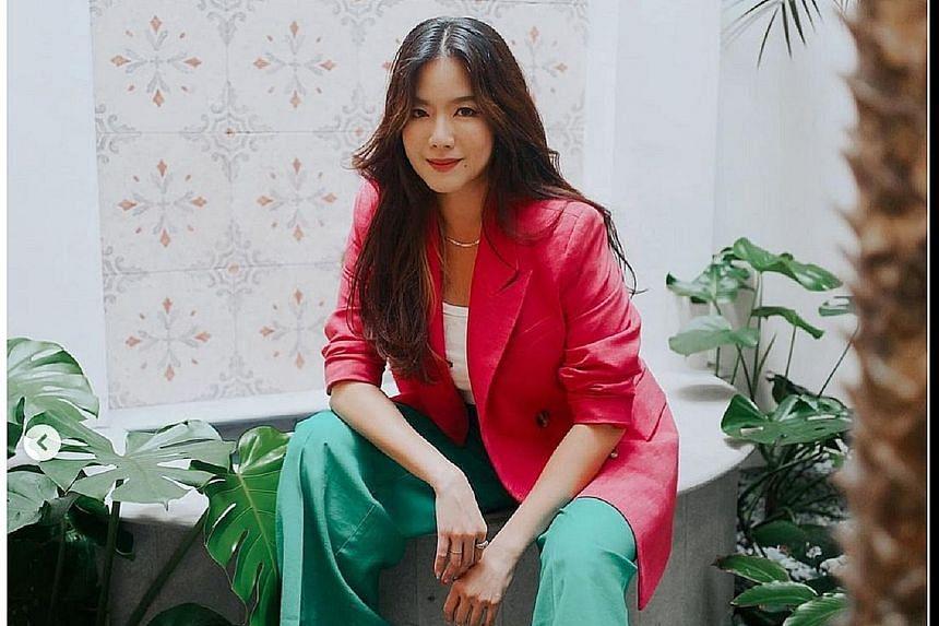 Rui En joined Artiste Networks after making her debut in a Singtel ad in 2001.