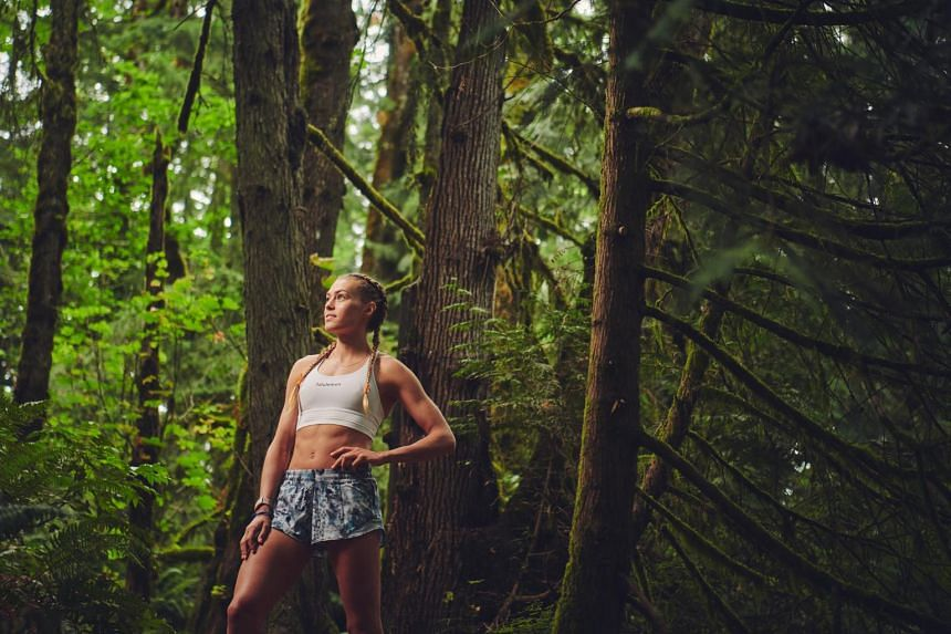 Steeplechaser Colleen Quigley is among athletes who has opted to strike new types of deals with smaller activewear brands.