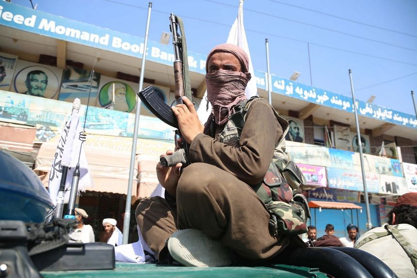 More than a dozen people were injured after Taleban militants opened fire on protesters in  Jalalabad.