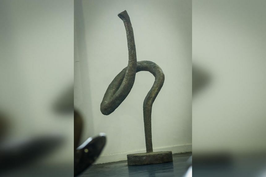 This untitled bronze work is part of the same series as the work displayed outside the Victoria Concert Hall. This is one of the heaviest works offered for sale. The estimated price is $24,000 to $28,000.