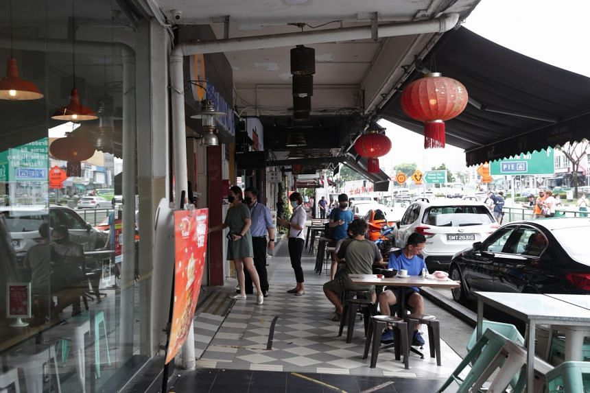 General view of the stretch of shophouses along Upper Thomson Road.