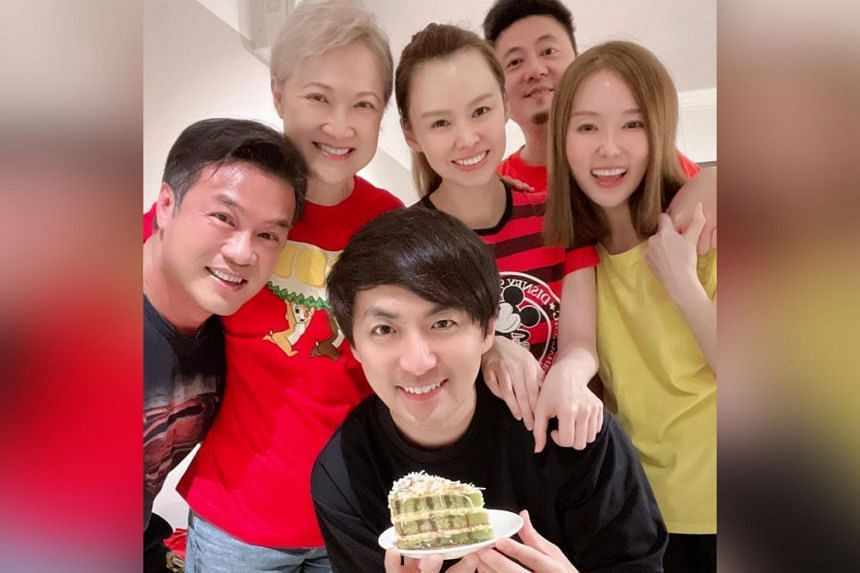 Actress Yvonne Lim (in yellow) with (clockwise from front) Hong Junyang, Zheng Geping, Hong Huifang, Candyce Toh and Alex Tien.