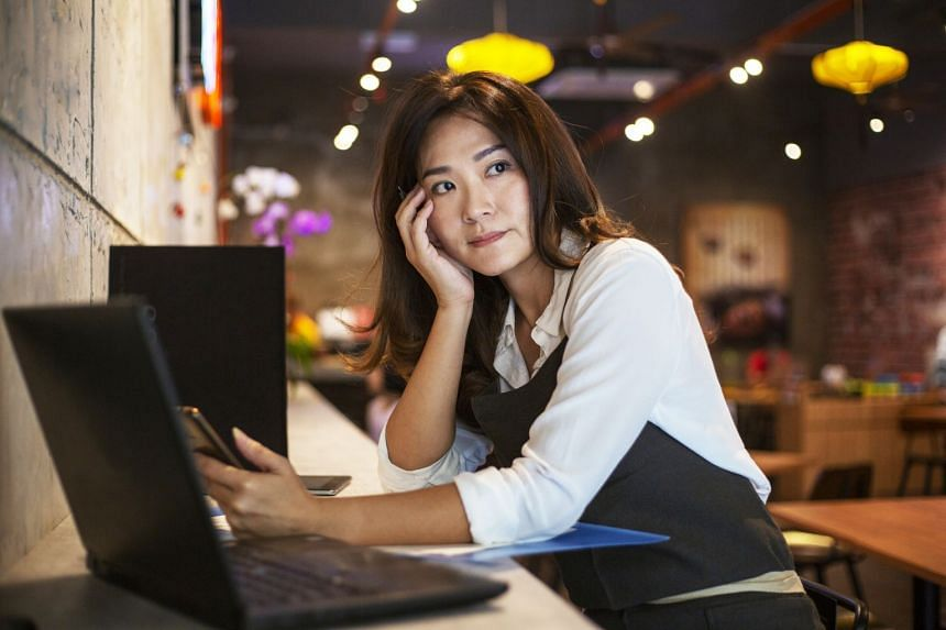 A mid-career change is possible even when the economy is bad, but it is important to do your homework.