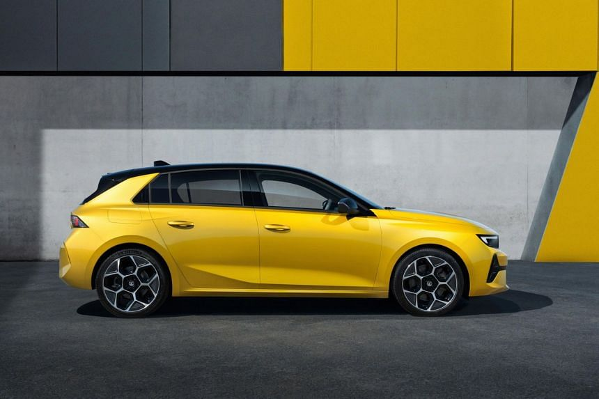 The eighth-generation Astra will also be available as a plug-in hybrid with two performance levels.