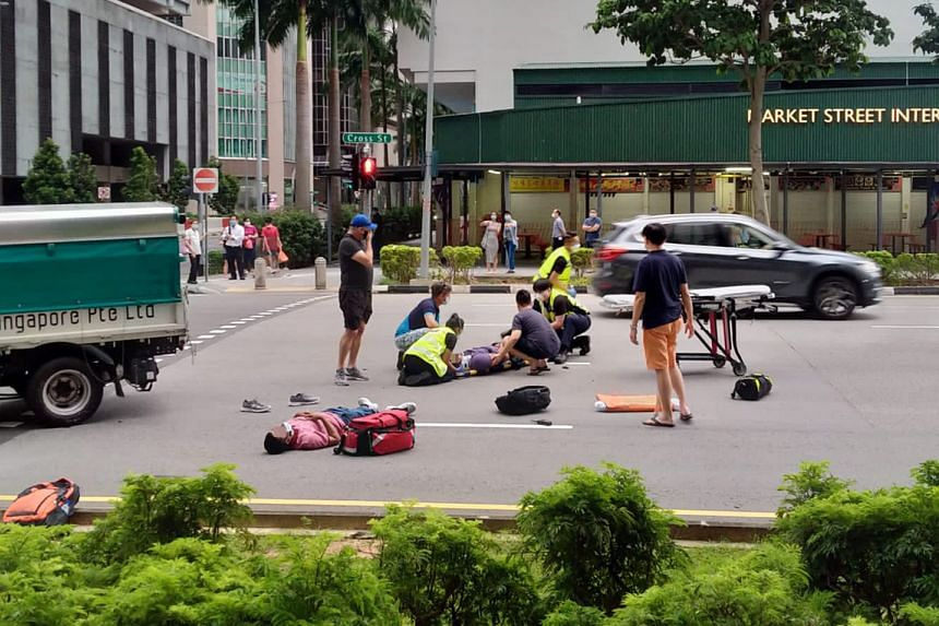 According to a witness, the impact of the crash flung two foreign workers off the back of the lorry.