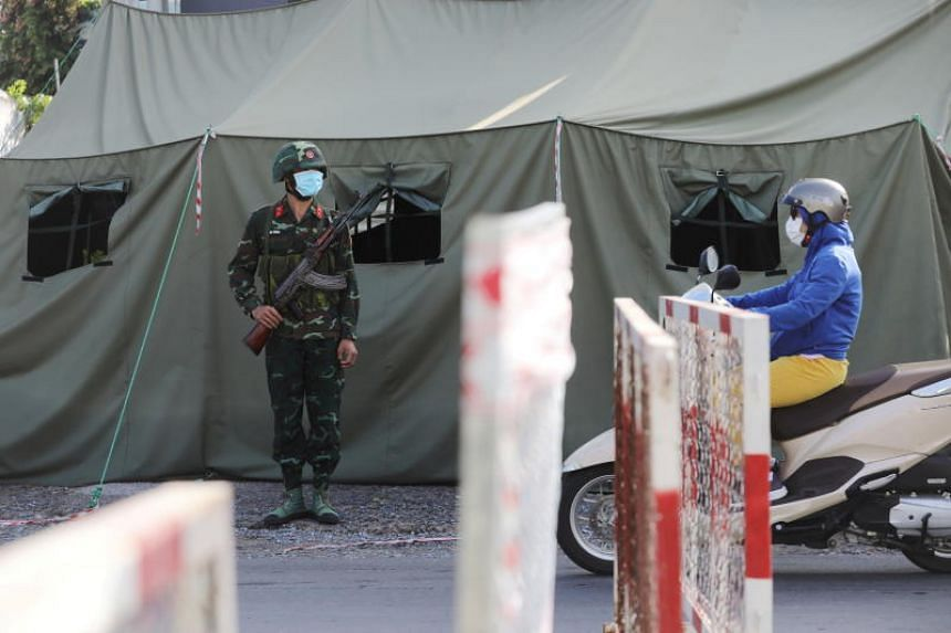 The man had travelled back to Ca Mau from Ho Chi Minh City and breached the 21-day quarantine regulations.
