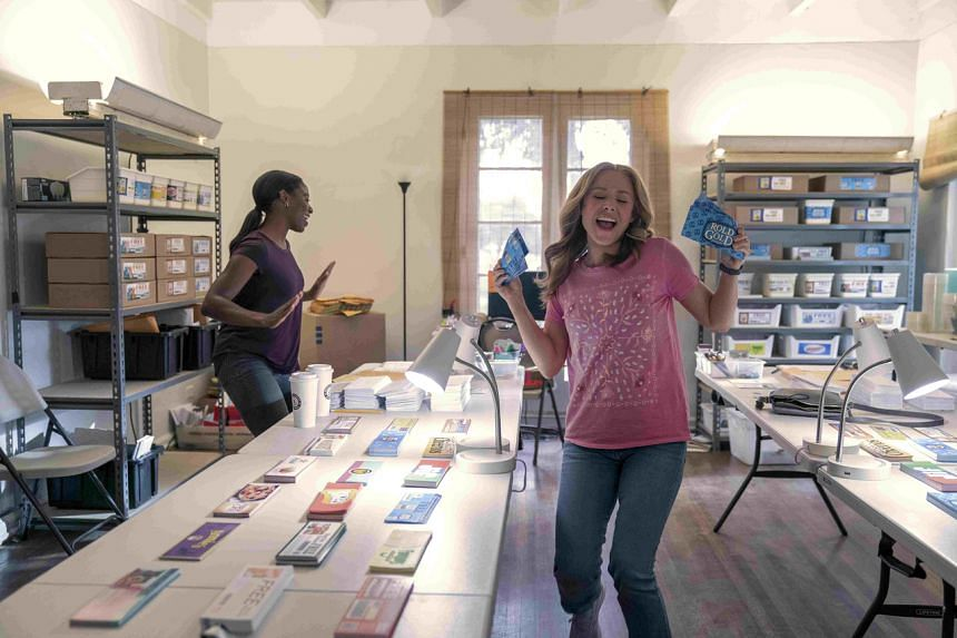 Still from the film Queenpins starring Kristen Bell (right) and Kirby Howell-Baptiste.