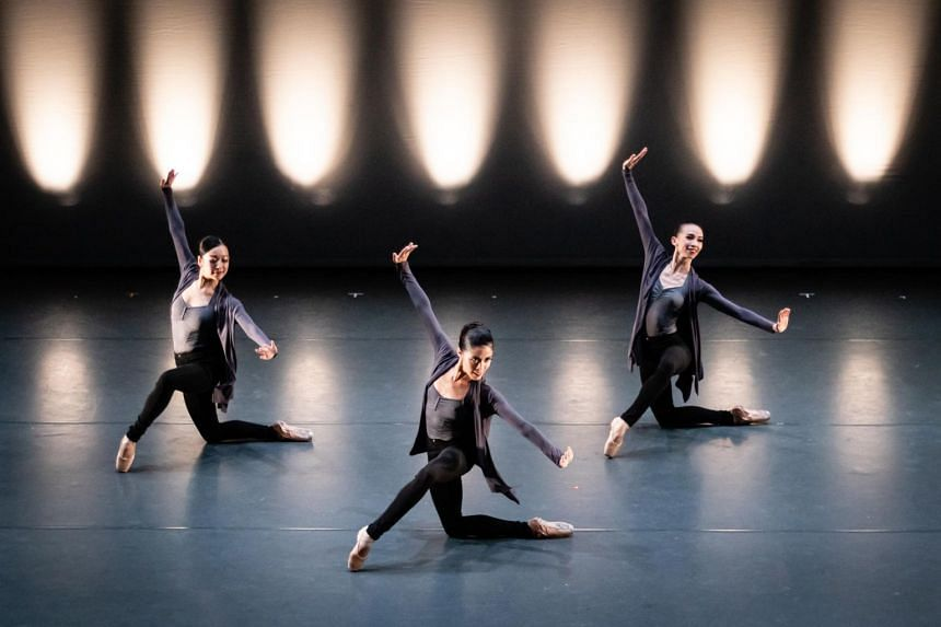 Swipe being performed in 2019 by the Singapore Dance Theatre. The performance will be part of SDT's Masterpiece In Motion this year.