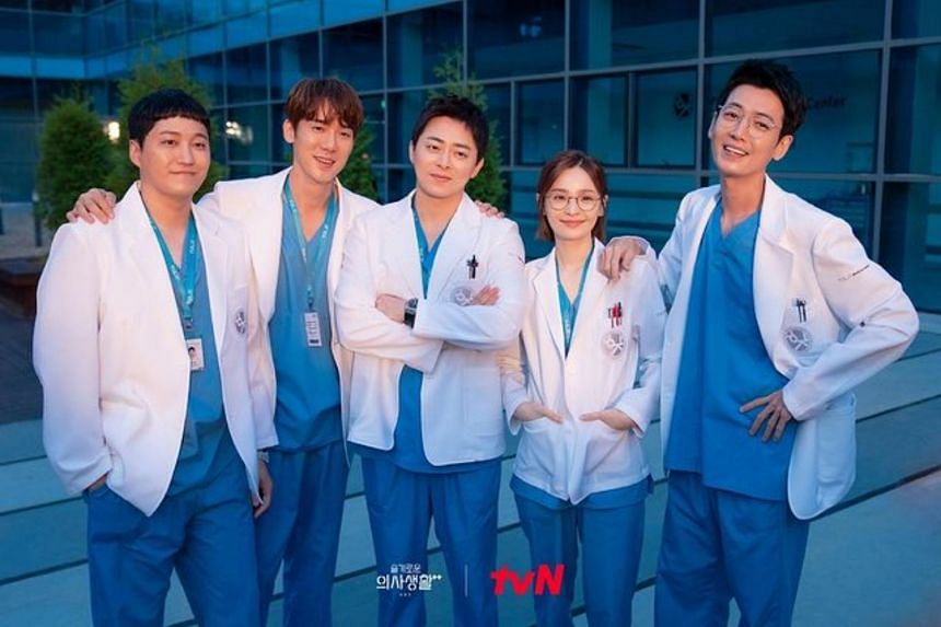 There are no specific plans for a third season of Hospital Playlist, said the production team.