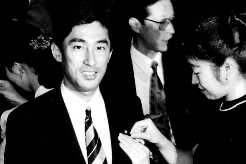 Nine-term Lower House lawmaker Fumio Kishida, who was born to a political family, being sworn in after winning his first election in 1993.