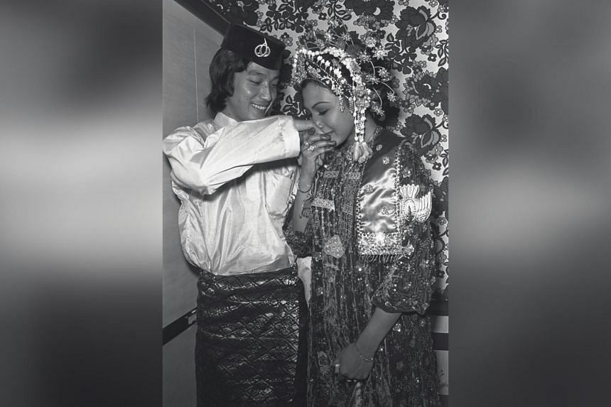 Mat Noh was married to local singing star Rahimah Rahim for 11 years.