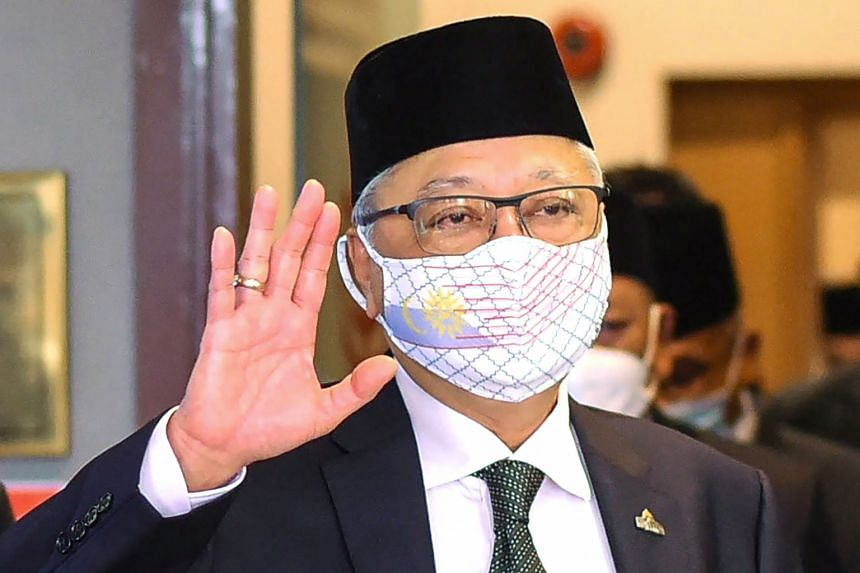 Unmo officials privately gripe that PM Ismail Sabri Yaakob is being overly accommodative to the demands of his predecessor Muhyiddin Yassin.