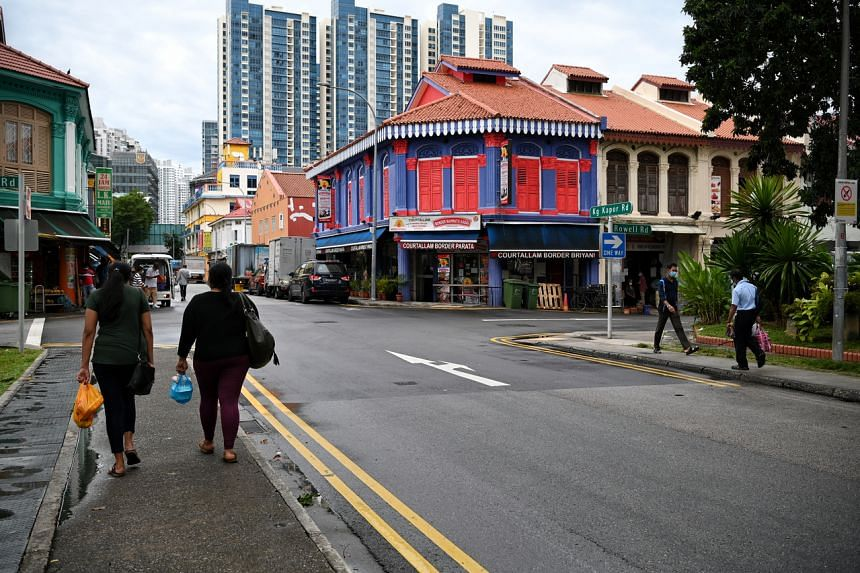 Kampong Kapor Road roughly bisects Little India - one half towards Race Course Road and the other towards Jalan Besar.