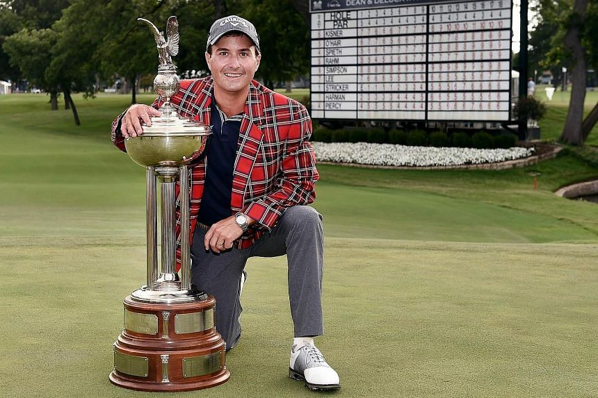 Kevin Kisner with the Leonard Trophy after winning the Dean & DeLuca Invitational in Fort Worth, Texas on Sunday (May 28).