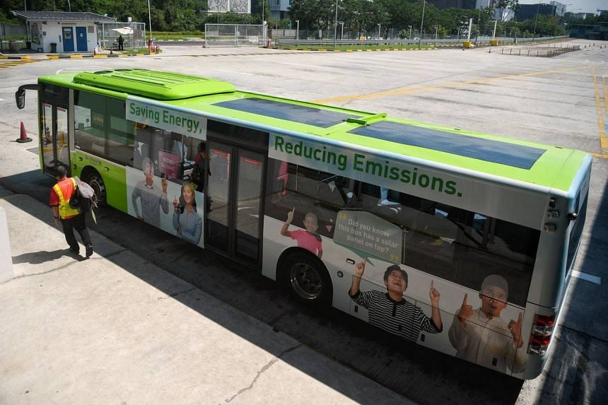 The solar panels on each bus is estimated to reduce carbon emissions by around 4000 kilograms per year.