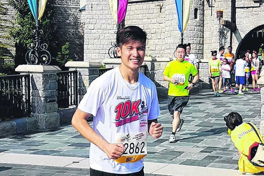 Fresh from hanging up his badminton racket, newly retired Derek Wong laced up his shoes yesterday to take part in the Hong Kong Disneyland 10K Weekend. The 27-year-old, who is in Hong Kong with friends, said he signed up for the run as a refreshing c