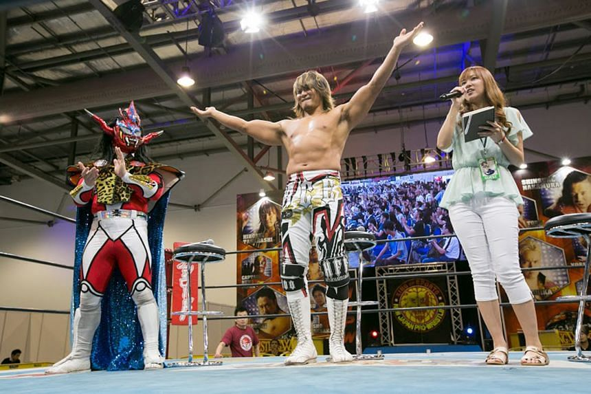 Besides anime card game tournaments and appearances by renowned manga creators, there were also Japanese wrestling matches (above).