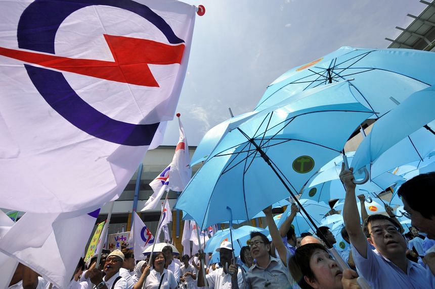 PAP: Activists say that the involvement of under-35-year-olds in newer technologies, like social media campaigning, was integral to the party's win. WP: There are rumblings of discontent among some segments of the party over the leadership's apparent