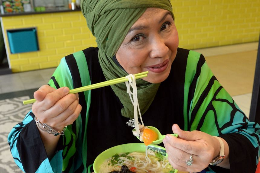 Rahimah Rahim was interrupted by fans four times while having fish soup noodles in Northpoint Shopping Centre.