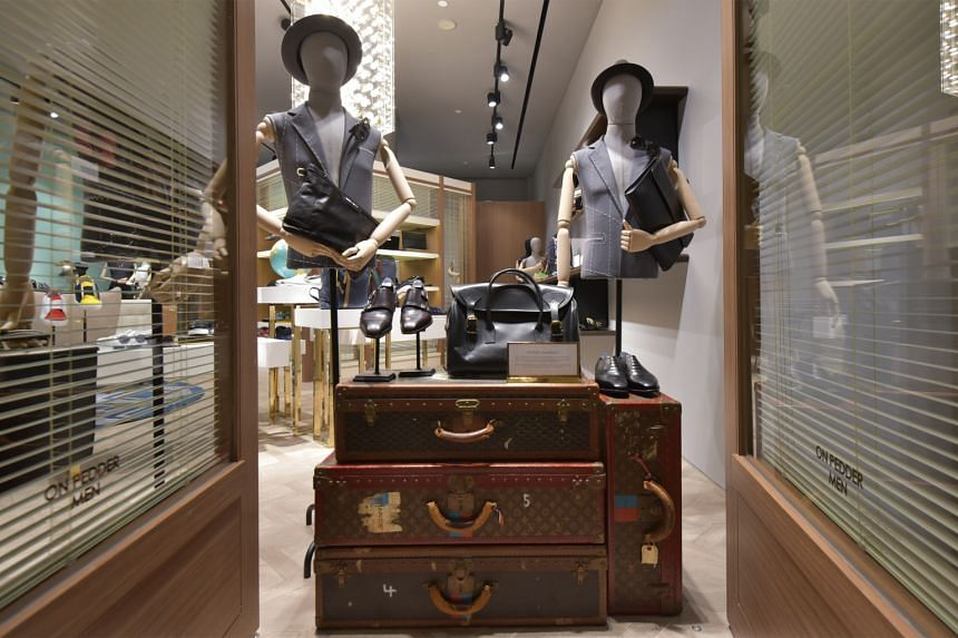 Pedder on Scotts boasts a section for men - a first for On Pedder stores outside Hong Kong The children's section of Pedder on Scotts is filled with 20 designer labels as well as streetwear labels such as Vans and Reebok. The store has set aside spac