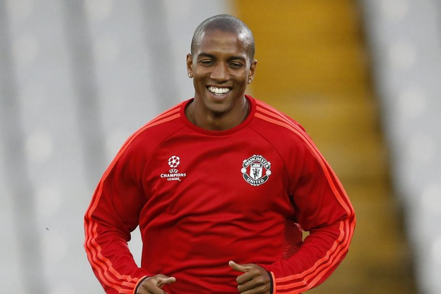 Manchester United boss Louis van Gaal especially values Ashley Young's contribution as a team player.