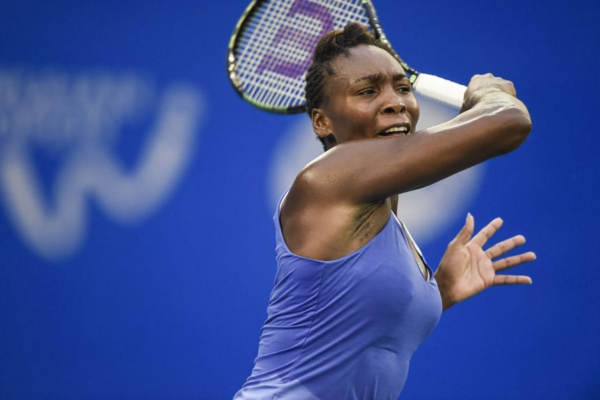 Venus Williams came from a set down to beat Roberta Vinci to make the Wuhan Open final.