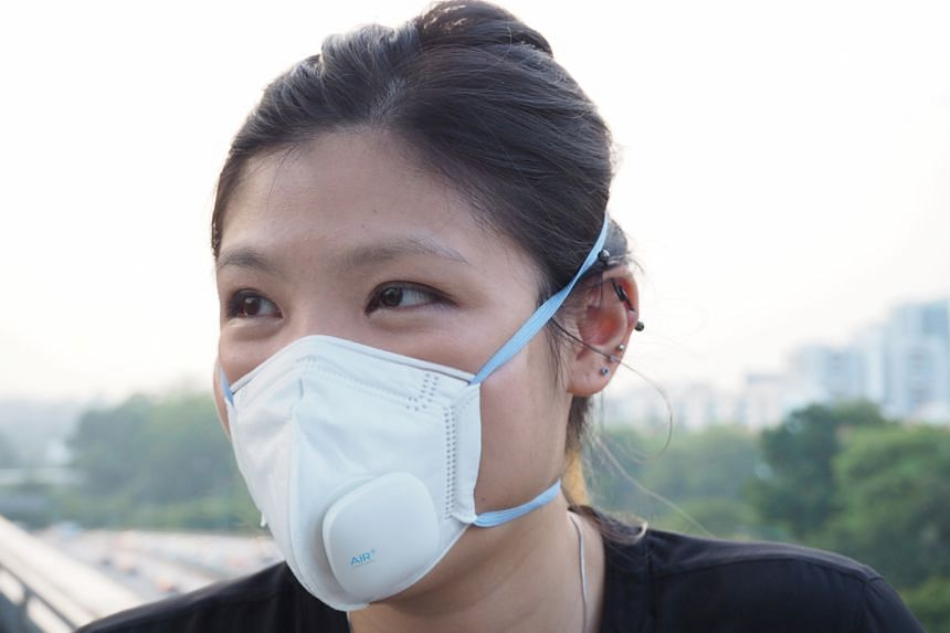Reporter Lisabel Ting trying out the Air+ Smart Mask. She wore it for about three hours on a single charge. The mask itself is plush, and the attached micro-ventilator makes it comfortable to wear.