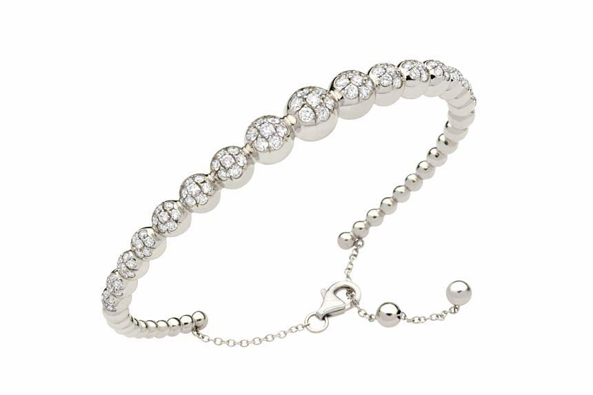 Italy: Diamond bubbles bracelet, price unavailable, by Rota e Rota.
