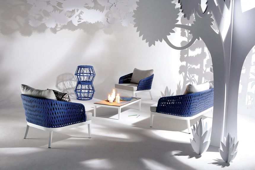 The Uno lounge chair (above).