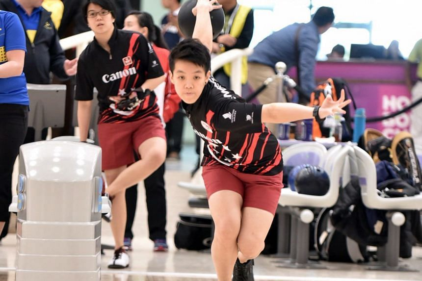 Shayna Ng fended off well-known American bowler Liz Johnson by a single pinfall to land her All Events crown in Abu Dhabi.