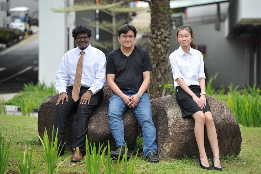Mr Calvin Cheng (centre), chief technology officer at Algo Access, will be mentoring Ngee Ann Polytechnic first-year students Gautham Vijayan Kumaran (left) and Ng Kai Li, both of whom are pursuing a diploma in biomedical engineering.