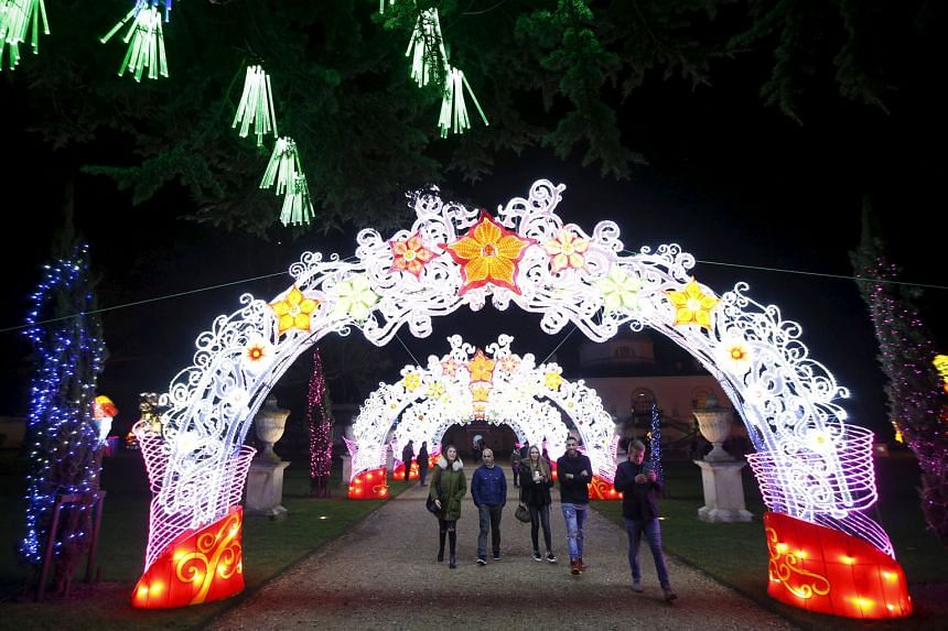 LONDON: Installations at the Magical Lantern Festival at Chiswick House Gardens, where more than 50 giant, hand-sculpted lanterns mark Chinese New Year in a spectacular art and light experience. NEW YORK: Women in traditional dress from southern Chin