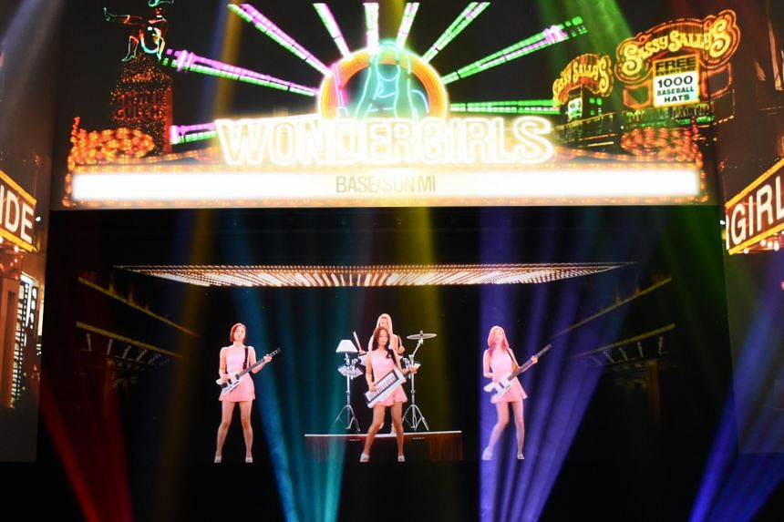 Wonder Girls (above) in a virtual 3D show at K-live Sentosa.