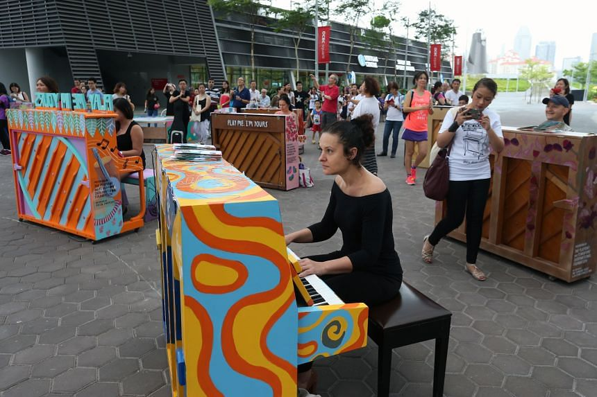 Street piano artwork Play Me, I'm Yours hope that people can connect with one another through art.