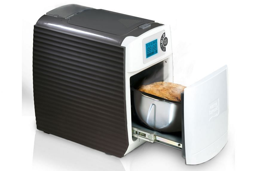 The Easy Bread machine makes small 500g loaves, unlike other bread machines, which make 750g or 1kg loaves. The capsule premixes can also be used with other machines.