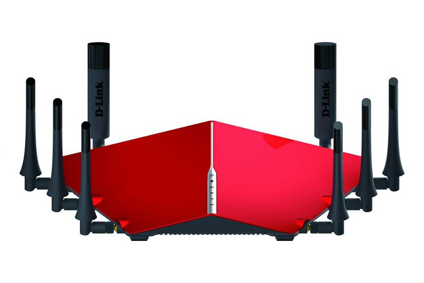 Angular in profile, and with eight detachable and adjustable antennas, the red DIR-895L cuts an eye-catching figure. It has four Gigabit LAN ports at the back, along with a USB 3.0 port and a USB 2.0 port.