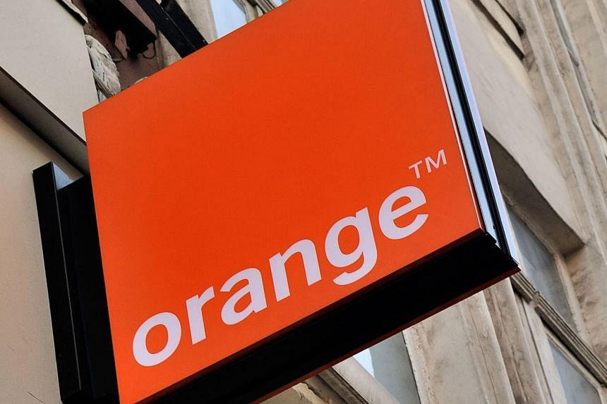 The deal by Bouygues and Orange was attempted amid a price war after the entry of low-cost operator Iliad hit the telecoms industry's margins hard. Both parties confirmed the collapse of talks.