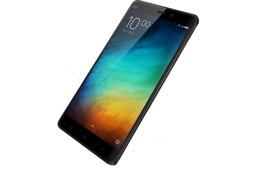 Although the Xiaomi Mi Note is smaller than an iPhone 6s Plus, it has a larger screen.