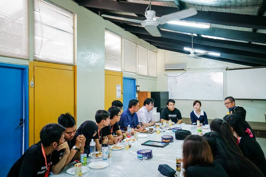 MP Tin Pei Ling (in blue dress) at a dialogue with HappYouth leaders.