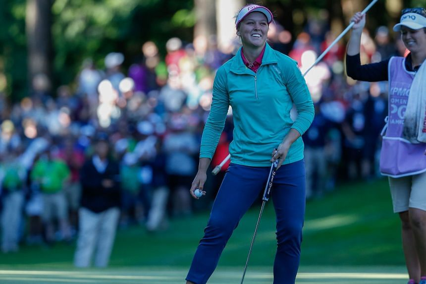 It's a great day for 18-year-old Brooke Henderson, after sinking her birdie putt to win the play-off against her fellow teen golfer Lydia Ko. Sunday's victory means the Canadian is the new world No. 2 behind Ko.