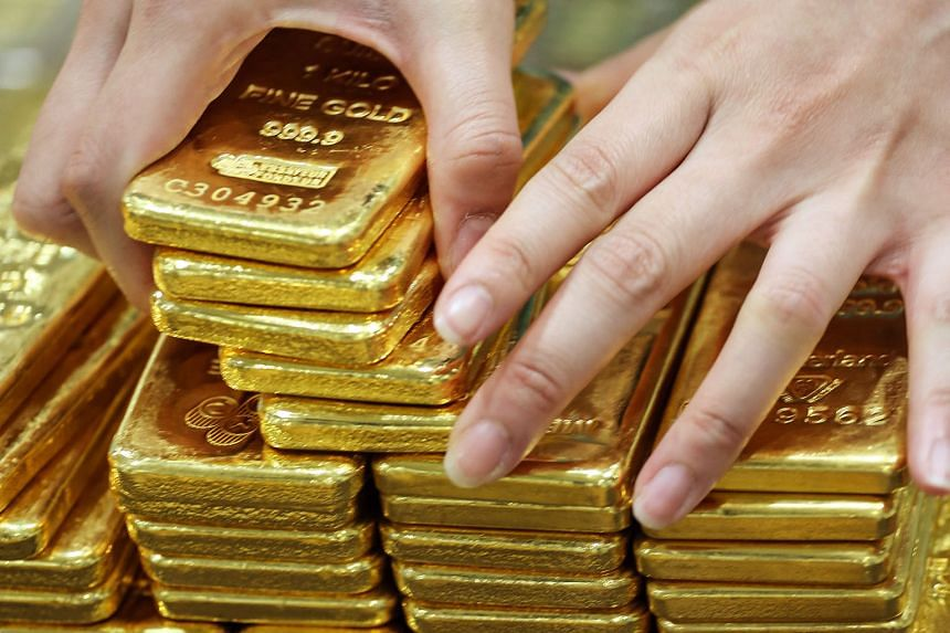 Gold continued its ascent while oil took a tumble on rising inventories. However, gold trailed the gains achieved in the equity ETFs.