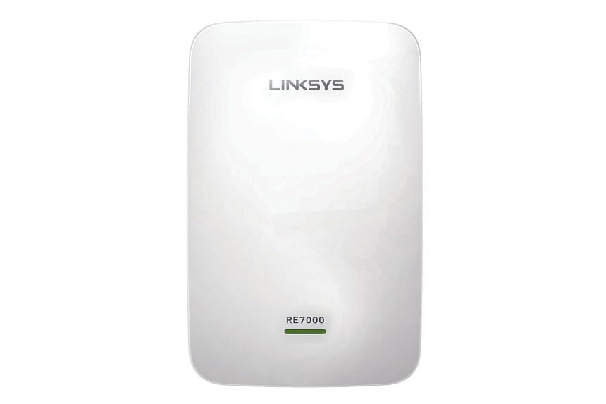 The best feature of the Linksys RE7000 is the Spot Finder, which tells you whether the extender is placed at a suitable location based on the distance between the router and the extender.