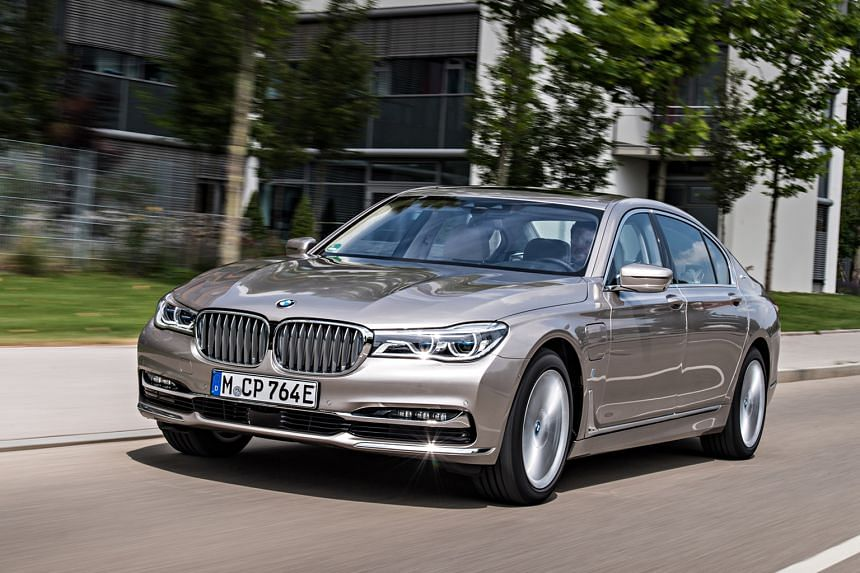 The BMW 740Le xDrive can be driven at a speed of up to 140kmh in electric mode alone.
