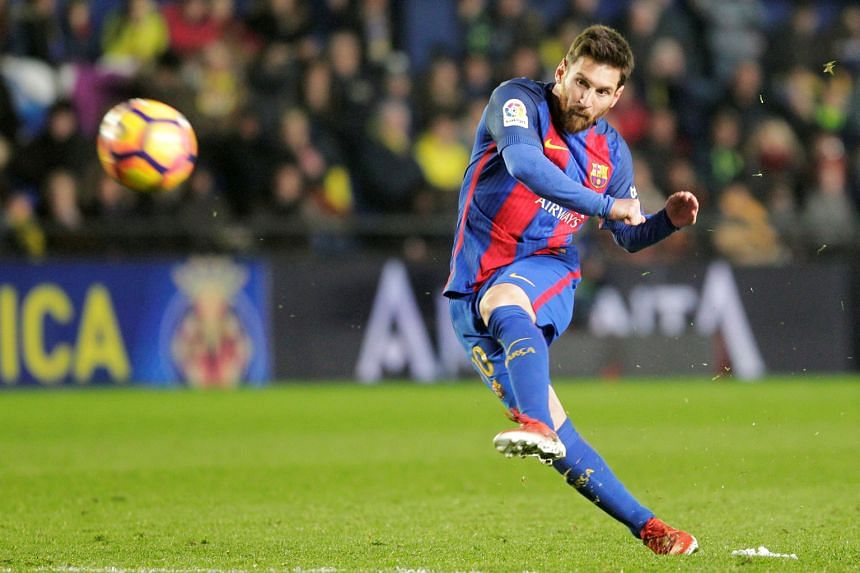 A last-minute free kick by Lionel Messi was not enough to get Barcelona back to winning ways in the Spanish La Liga.