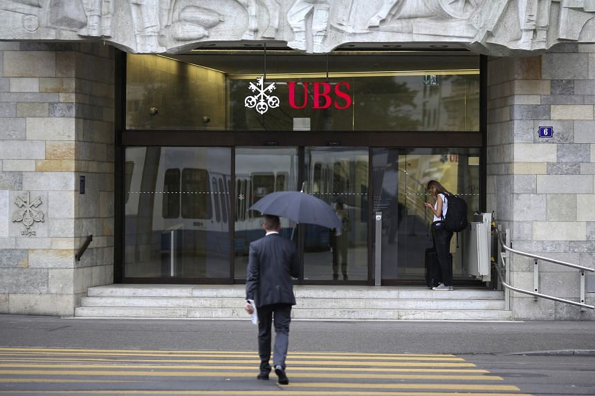 Swiss lender UBS has stepped up its activities in the warrant market. Mr Johnny Yu, its head of public distribution - Asia, notes that it is already one of the top warrant issuers in Hong Kong, especially on Hang Seng products, and will be able to le