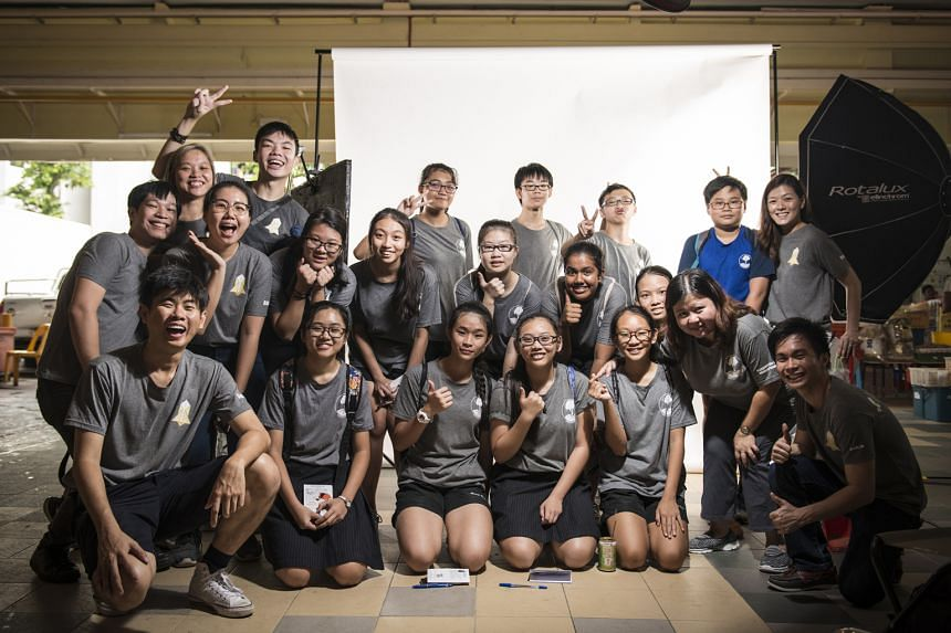 A photo booth was set up at Chong Boon Market in Ang Mo Kio Avenue 10 last Saturday. The students spent the morning persuading stallholders and customers to have their photos taken. They spent six weeks putting together a photo essay on Chong Boon ma